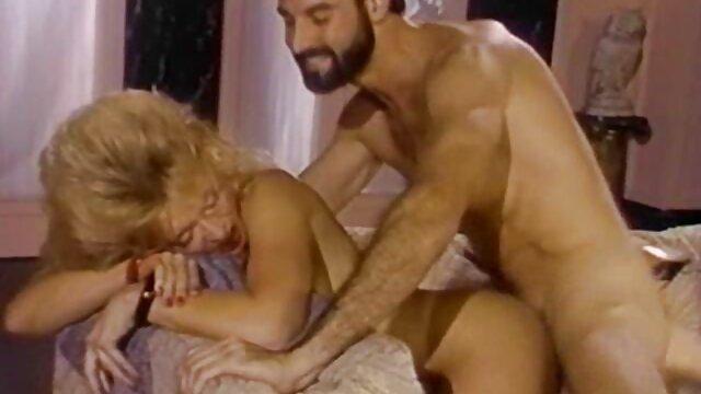 वयस्क कोई पंजीकरण  रसोई घर में सेक्स के सेक्सी मूवी मूवी हिंदी में साथ समाप्त होता है